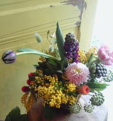 かわいい芸術家・春の花あしらい。。。_a0229658_1640311.jpg