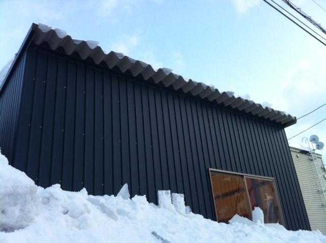 ☆屋根からの落雪にご注意下さい!!☆(伏古店)_c0161601_2071282.jpg