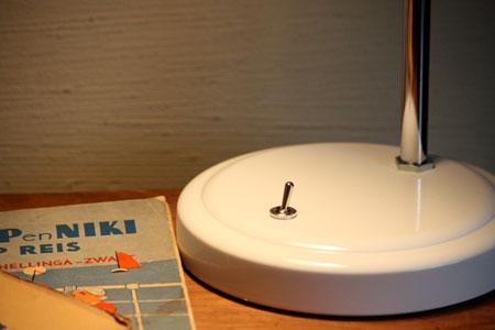desk lamp_c0118809_2235026.jpg