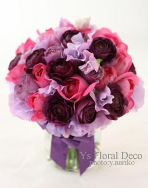 マーメイドラインのドレスに 濃い紫色をいれたクラッチブーケ_b0113510_10574259.jpg