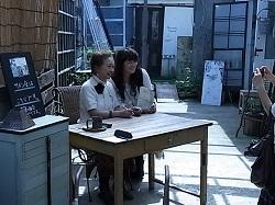 「デポー39」 プロデューサー天沼寿子さんトークショー。。_c0169287_1345374.jpg