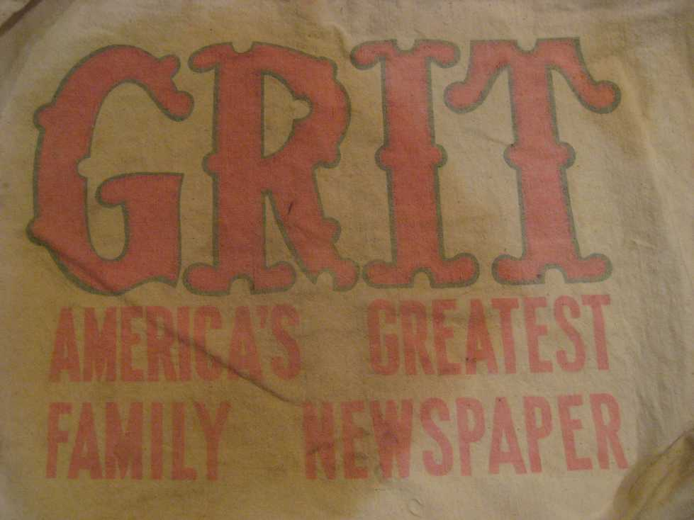 VINTAGE NEWSPAPER BAG +_e0187362_1130473.jpg