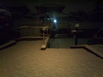 外は雪が降ってます。_e0188087_2318766.jpg