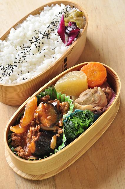 茄子挽き肉炒めのお弁当_b0171098_805375.jpg