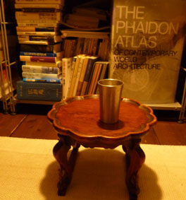 my table_e0055098_2117910.jpg