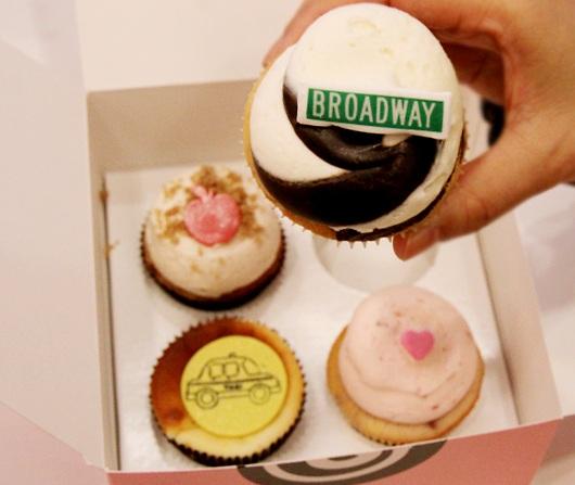 テレビのリアリティ番組でも有名なカップケーキ屋さん、Georgetown Cupcakeのニューヨーク1号店オープン!!!_b0007805_16212893.jpg