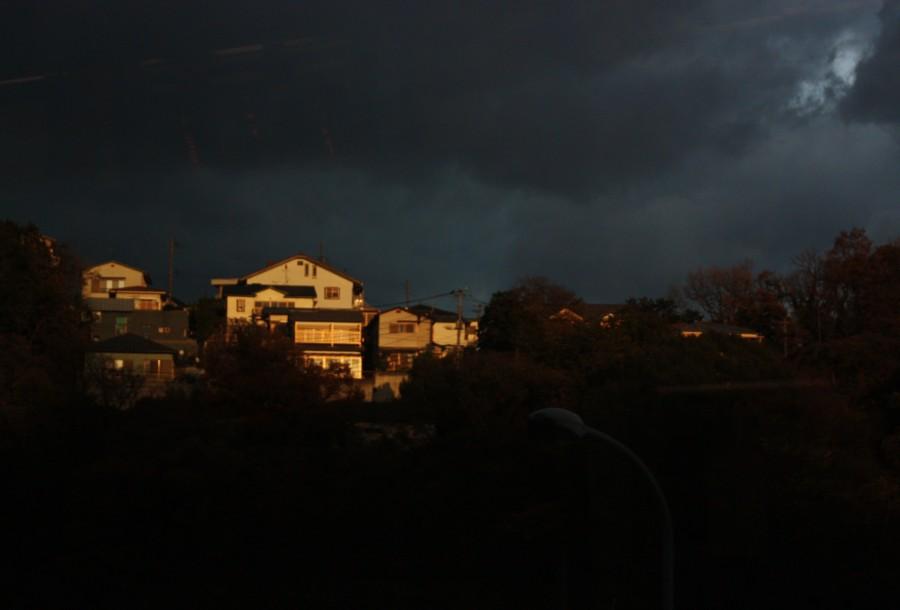 暗雲迫る_f0055131_13572341.jpg