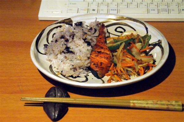 夕飯は焼き魚_e0166355_18385270.jpg