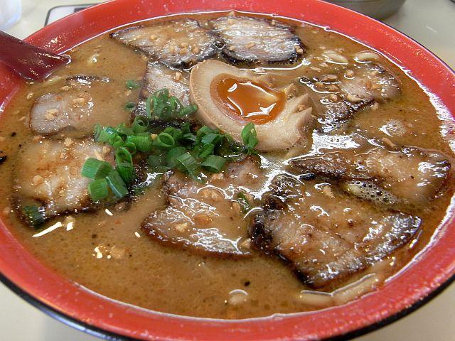 「来々軒」で忍バラチャーシュー麺_e0220163_18171611.jpg