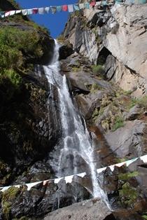 ブータン最大の聖地 タクツァン僧院へ_b0053082_0195732.jpg