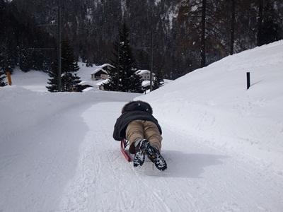 恐るべし雪遊び☆スイス_e0182138_35213.jpg