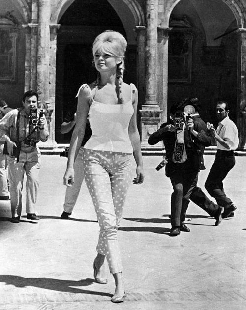 60年代ファッション(ヘアの解説)