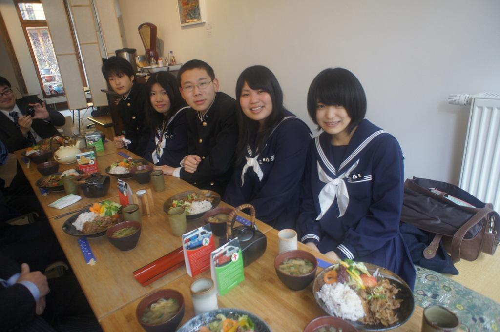 中国新聞2/29掲載。_c0180686_553678.jpg