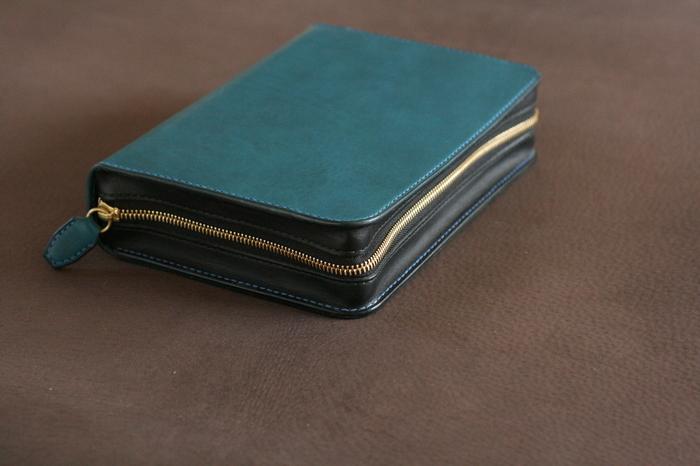セカンドバッグ?のような財布?_a0145469_1901366.jpg
