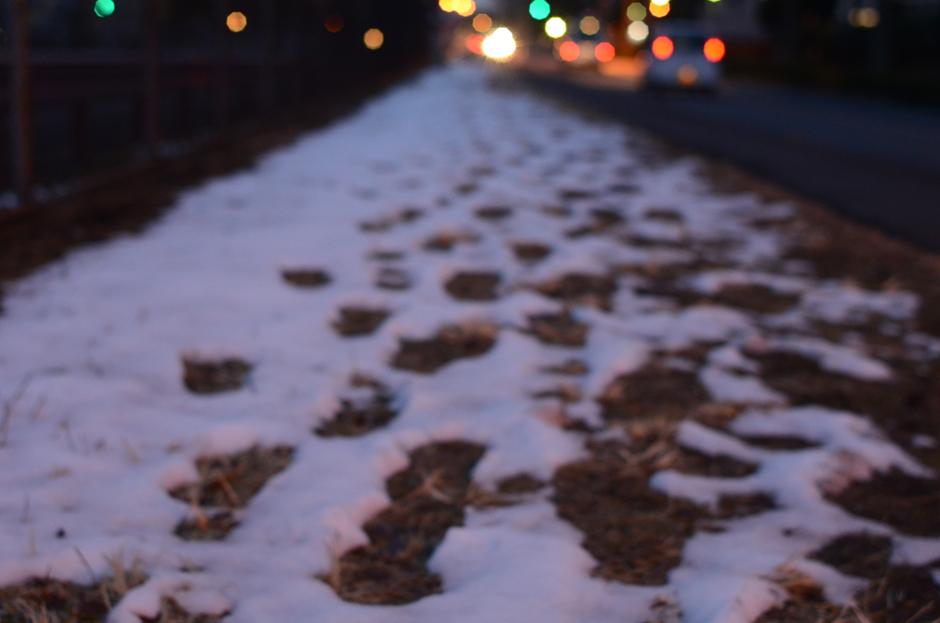 雪がのこる街_b0194880_16231339.jpg