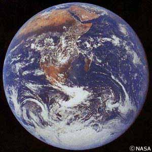 エイリアンもびっくり「地球は光っていた!」:かけがえのない惑星、地球_e0171614_1955028.jpg