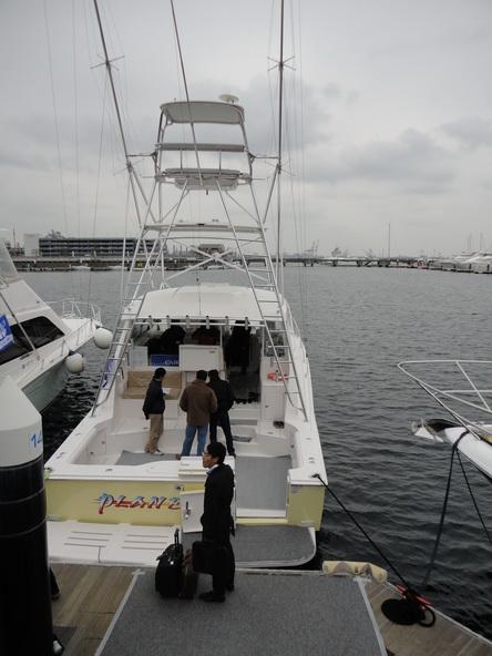 ボートショー フローティング会場のにぎわいは・・・【カジキ・マグロトローリング】_f0009039_9304964.jpg