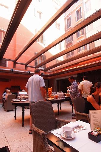 シルバー・スピリット アドリア・地中海クルーズ 10日目-1 朝食を食べて向かった先は...._e0160595_18405836.jpg