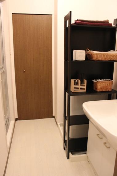 ・素敵な洗面所を目指して。_d0245268_0292958.jpg