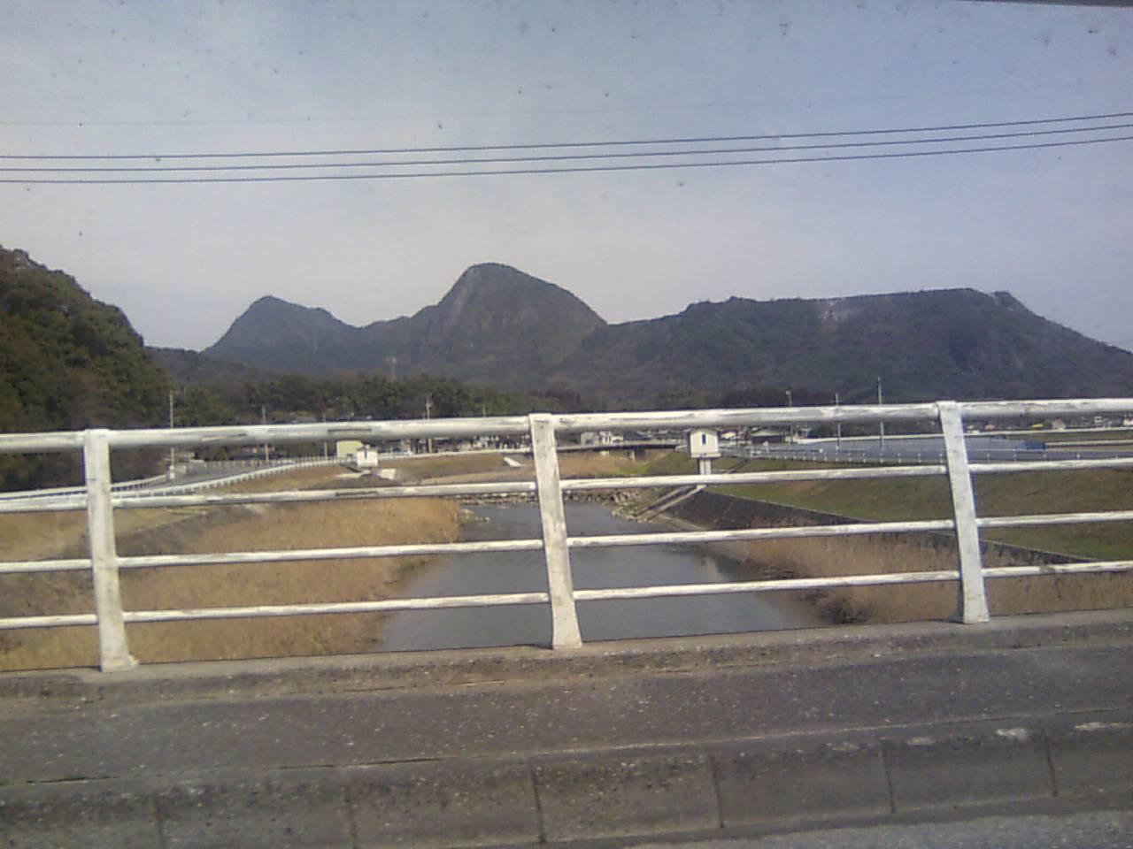 不思議な町  田川_c0079826_1711961.jpg