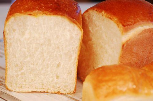ホシノ天然酵母食パン_f0224567_22451631.jpg