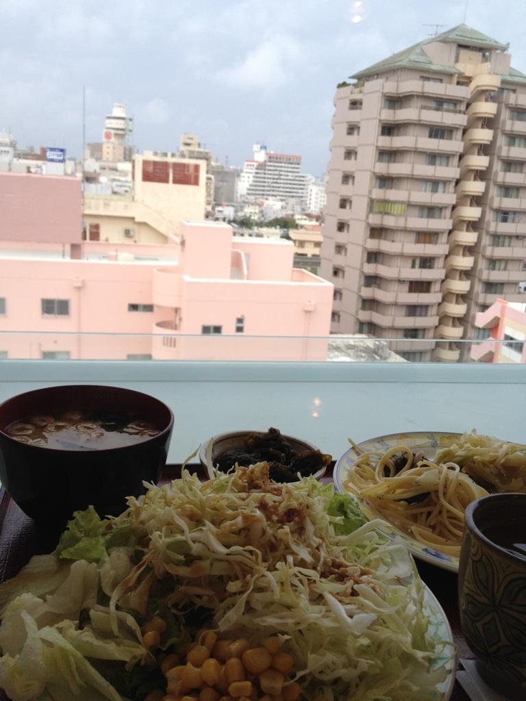 おはよう沖縄_c0108695_8252381.jpg