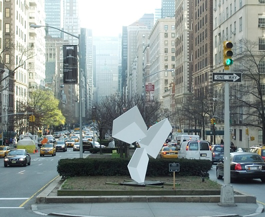 ニューヨークに目の錯覚を楽しめるパブリック・アートが登場中_b0007805_1224452.jpg