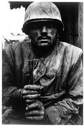 英戦争写真家たちの会話 「写真は何かを変えたのか?」-帝国戦争博物館で _c0016826_2128566.jpg