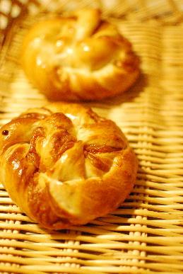キャラメル・カスタードパン&中華風チキンパン試作_a0175348_15395754.jpg