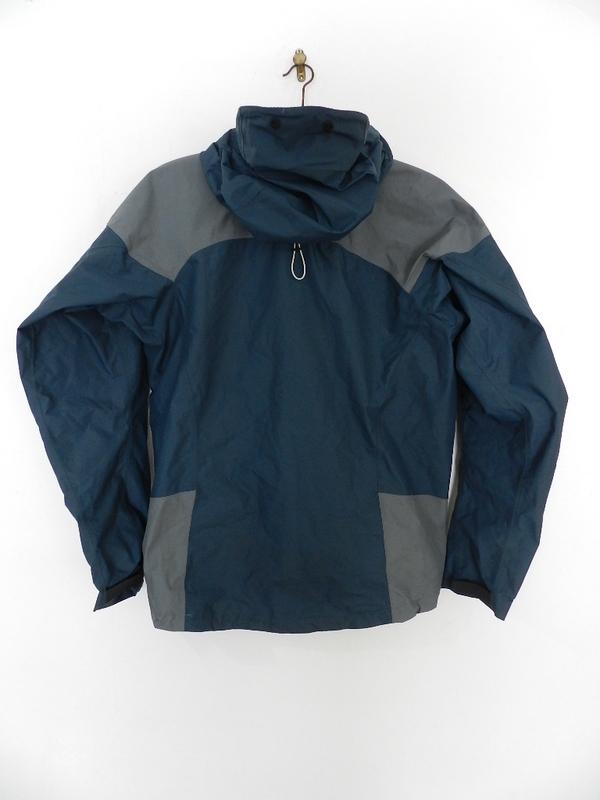 berghaus gore-tex jacket_f0226051_1672789.jpg