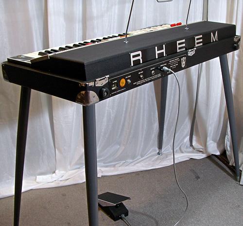 Rheem Mark VII Combo Organ_e0045459_0224233.jpg