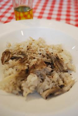 ホタテと舞茸の炊き込みご飯 トリュフオイルの香り_b0150295_205258100.jpg
