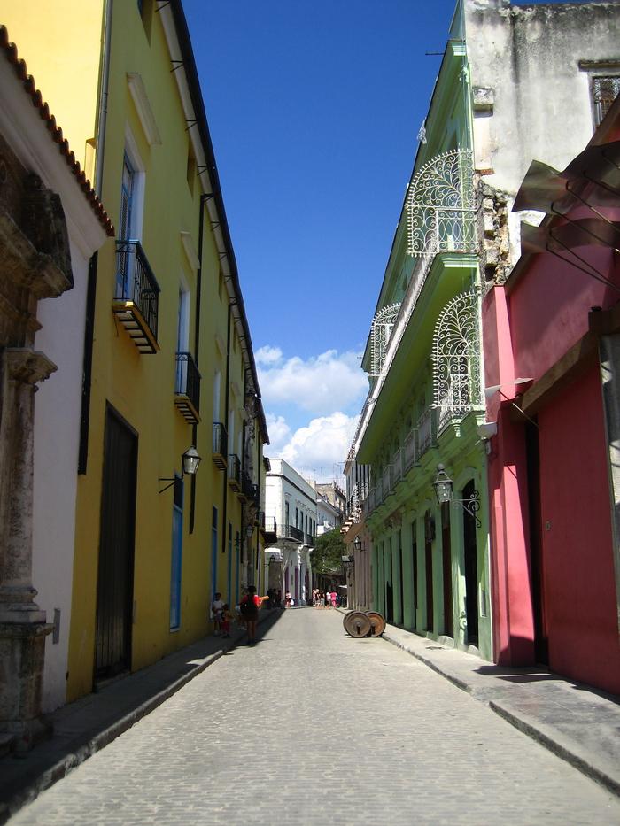 キューバの街角_a0103940_3214059.jpg