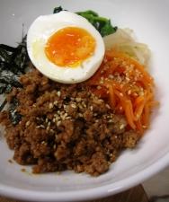 3/9丼ごはん:ピビンパ丼_a0116684_20303659.jpg