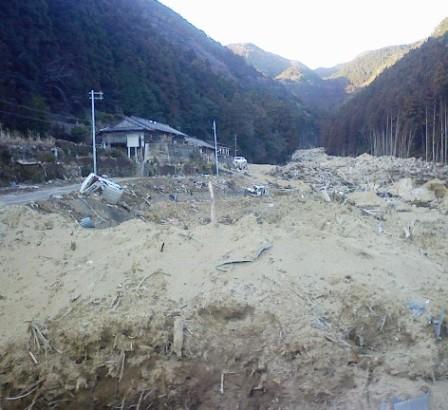 熊野川台風12号水害調査行(8)  浅里地区_f0197754_2242549.jpg