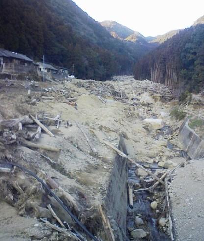 熊野川台風12号水害調査行(8)  浅里地区_f0197754_22431194.jpg