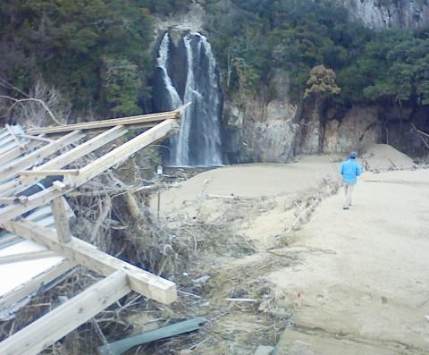 熊野川台風12号水害調査行(8)  浅里地区_f0197754_22444476.jpg