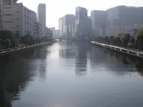 東京の講演会と美術館と夜見たこと_f0211178_1438069.jpg