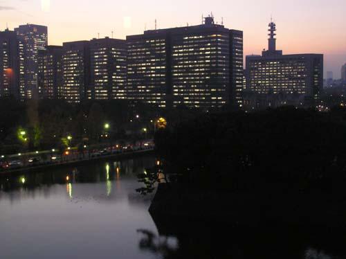 東京の講演会と美術館と夜見たこと_f0211178_14391813.jpg