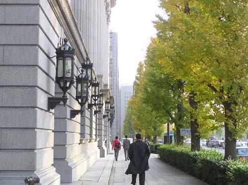 東京の講演会と美術館と夜見たこと_f0211178_1439351.jpg