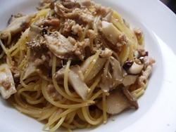 3/10本日のパスタ:鶏挽肉とキノコの和風スパゲティ_a0116684_11321257.jpg