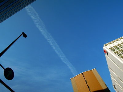 飛行機雲_f0232994_822011.jpg