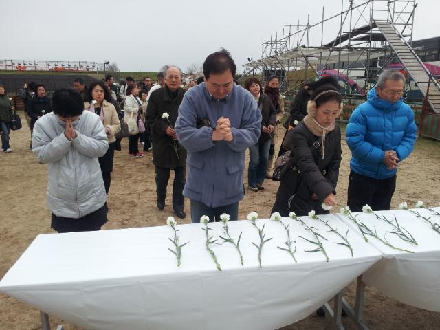 東日本大震災 ~3.11 あの日を忘れない~_b0209638_1963783.jpg