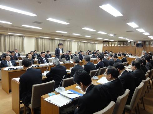 予算特別委員会(中間報告)_b0199244_3221733.jpg