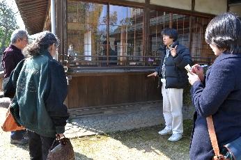 3/11(日)震災から1年・災害をくぐり抜けた建物ガイドツアーを開催しました_c0110117_15574841.jpg
