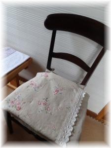 椅子マット_d0165645_17543962.jpg