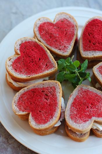 ハートの苺サンドイッチ_f0149855_9183844.jpg