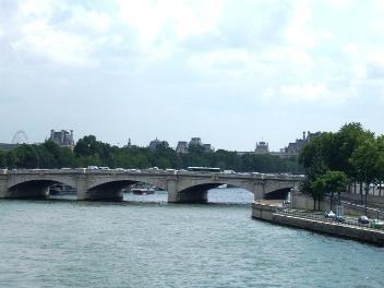 パリ セーヌは流れる_d0227610_19201240.jpg