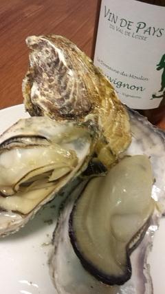 今夜は、牡蠣と白ワイン・・・_a0254125_23293549.jpg