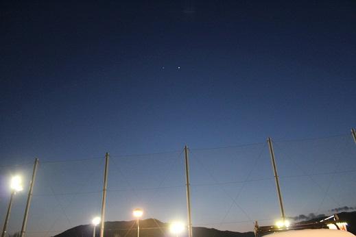 惑星は動く。黄昏ジュピター、天体ショー_e0175370_1030598.jpg